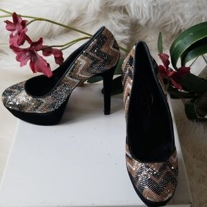 Jessica Simpson Black and Gold Sparkle Platform 7